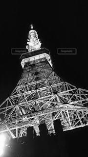 バック グラウンドでの時計塔の写真・画像素材[820696]
