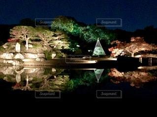 水の体の上の橋の写真・画像素材[840634]