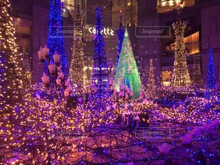 ロックフェラー ・ センターの夜景の写真・画像素材[1681058]