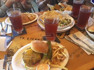 ハンバーガー,アメリカ,観光,旅行,ハワイ,おいしい