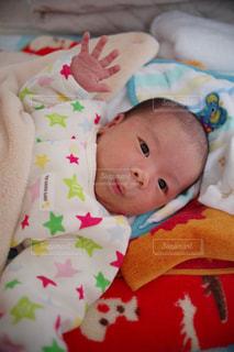 赤ちゃん,ハンドサイン,ジェスチャー,満生後1ヵ月,おしっこ出たよ,はい!