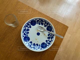 テーブルの上の食器の写真・画像素材[3273772]