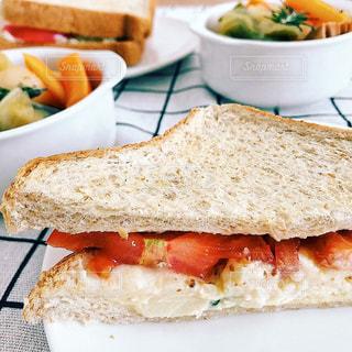 サンドイッチとポトフの写真・画像素材[3274227]