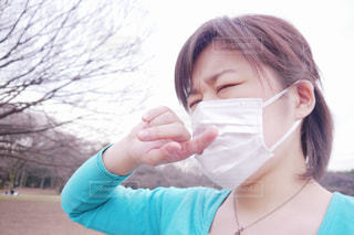 花粉症の女性の写真・画像素材[3532465]