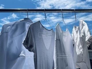 家族3人の洗濯物の写真・画像素材[3733036]