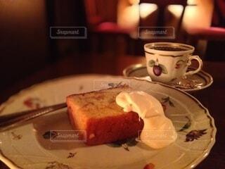 雰囲気のある喫茶店でティータイムの写真・画像素材[3852762]