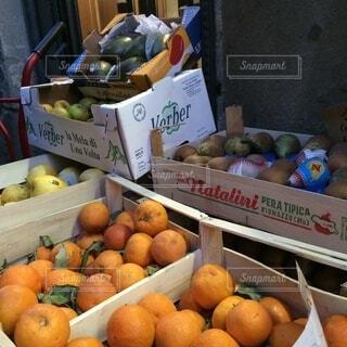 イタリアの果物屋さんの写真・画像素材[3881123]
