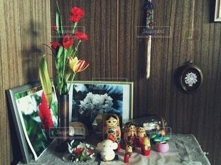 おばあちゃんちの飾り棚の写真・画像素材[4819651]