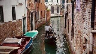 乗り物,街並み,舟,水,船,川,ヨーロッパ,観光,イタリア,海外旅行,ゴンドラ,ヴェネツィア,運河,水上,ベネツィア