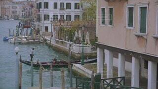 建物,乗り物,街並み,屋外,湖,海外,窓,船,川,水面,ヨーロッパ,家,都会,イタリア,海外旅行,ゴンドラ,ヴェネツィア,運河,ベネツィア