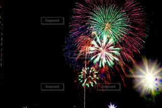 空に花火の写真・画像素材[1311001]