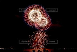 空に花火の写真・画像素材[1326628]