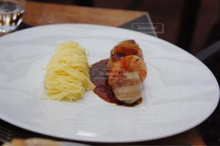 ウサギ肉を使った一皿 - No.891109