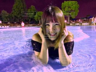 水のプールの女の子 - No.712797