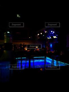 野菜の展示の束が夜ライトアップの写真・画像素材[707418]