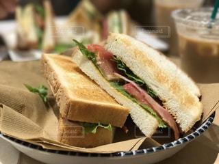 サンドイッチ板の上半分にカット - No.745736