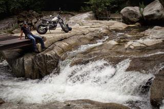 自然,自撮り,バイク,渓流,ツーリング,セルフショット