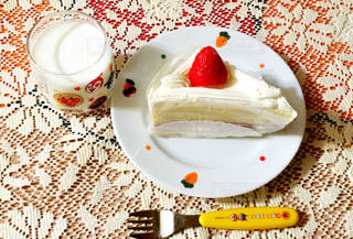 3時のおやつは大好きなショートケーキの写真・画像素材[800030]