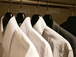 白いシャツの写真・画像素材[2734141]