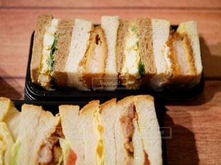 食べ物,飲み物,料理,出前,宅配,テイクアウト,ボリューム,カツサンド,惣菜パン,ロースかつ,調理パン,ボリューミー,デリバリー,お持ち帰り,かつサンド
