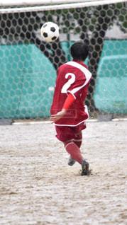 フィールドでサッカーの写真・画像素材[813880]