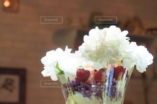 近くの花のアップの写真・画像素材[884288]