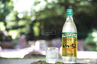 クローズ ボトルのアップの写真・画像素材[1282292]