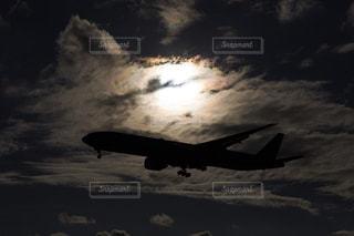 風景,空,屋外,太陽,雲,飛行機,シルエット,光,航空機,彩雲