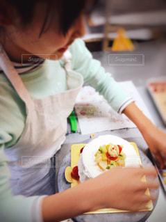 スイーツ,冬,ケーキ,女の子,洋菓子,クリスマス,お菓子,手作り,デコレーション,思い出,シフォンケーキ,クリスマスケーキ,飾り,飾り付け,チャレンジ,挑戦