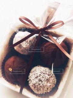 茶色,プレゼント,リボン,チョコレート,バレンタイン,ブラウン,ギフト,トリュフ,ラッピング,チョコトリュフ