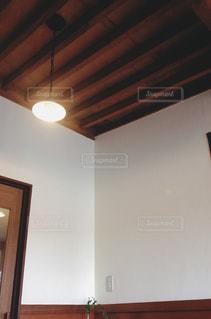 漆喰壁の空間の写真・画像素材[1009170]
