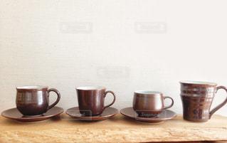 コーヒーカップとマグカップの写真・画像素材[1023860]