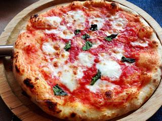 ピザ マルゲリータの写真・画像素材[1272780]
