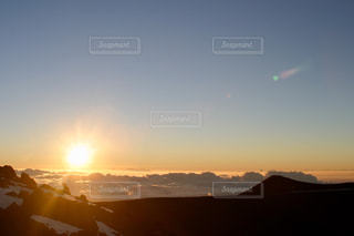 マウナケアから見た夕日の写真・画像素材[1274187]