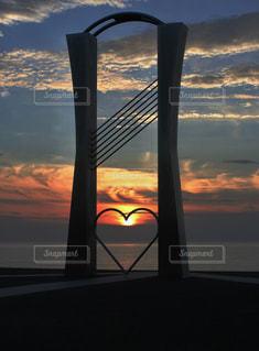 風景,海,空,夕日,雲,夕暮れ,水平線,オレンジ,ハート,広場,石川県,♡,モニュメント,恋人の聖地,小松市,ふれあい健康広場