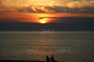 風景,海,空,夕日,雲,夕暮れ,水平線,シルエット,オレンジ,人,石川県,小松市,ふれあい健康広場