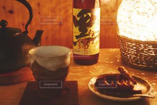 和菓子と黒伊佐錦の写真・画像素材[1440273]