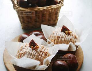 食べ物,スイーツ,秋,ケーキ,栗,茶色,洋菓子,おうちカフェ,手作り,食,モンブラン,カゴ,秋の味覚,食欲の秋,秋味