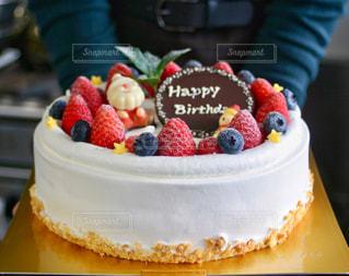 クリスマスのバースデーケーキの写真・画像素材[1698343]