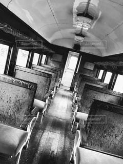 リビング ルームの黒と白の写真の写真・画像素材[816858]