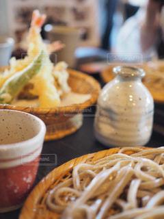 香りの強い太麺の蕎麦の写真・画像素材[747236]