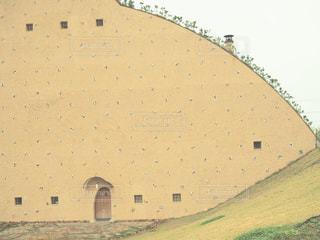 大きな白い建物の写真・画像素材[872538]
