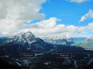 雪の覆われた山々 の景色の写真・画像素材[773074]