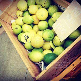 フルーツ,レモン,木箱