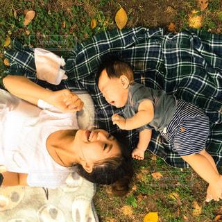 屋外,親子,草,人物,人,愛,ママと子供