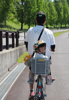 公園,自転車,屋外,子供,ヘルメット,父,父と子,なかよし父子