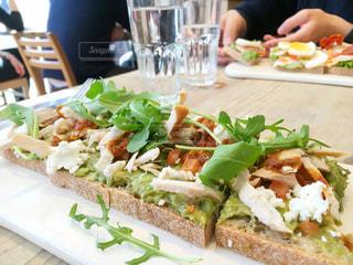 食べ物、サンドイッチとサラダのプレート - No.738343