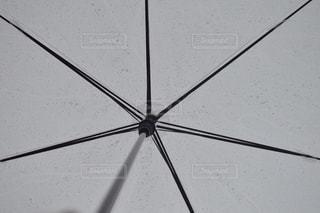 白い傘の写真・画像素材[813607]