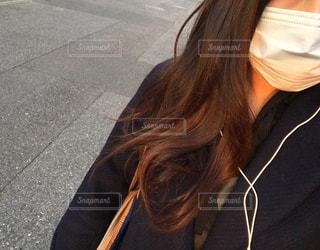 selfie を取る女性の写真・画像素材[1672776]