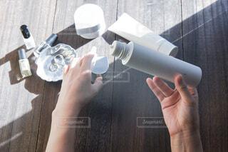 手,人,ボトル,PR,エイジングケア,オルビス,オルビスユードット